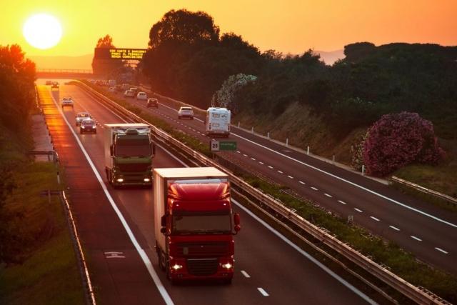 """PIS zadał """"cios w plecy"""" branży transportowej. Nie Niemcy i Francuzi, a polski rząd nas wykończy"""